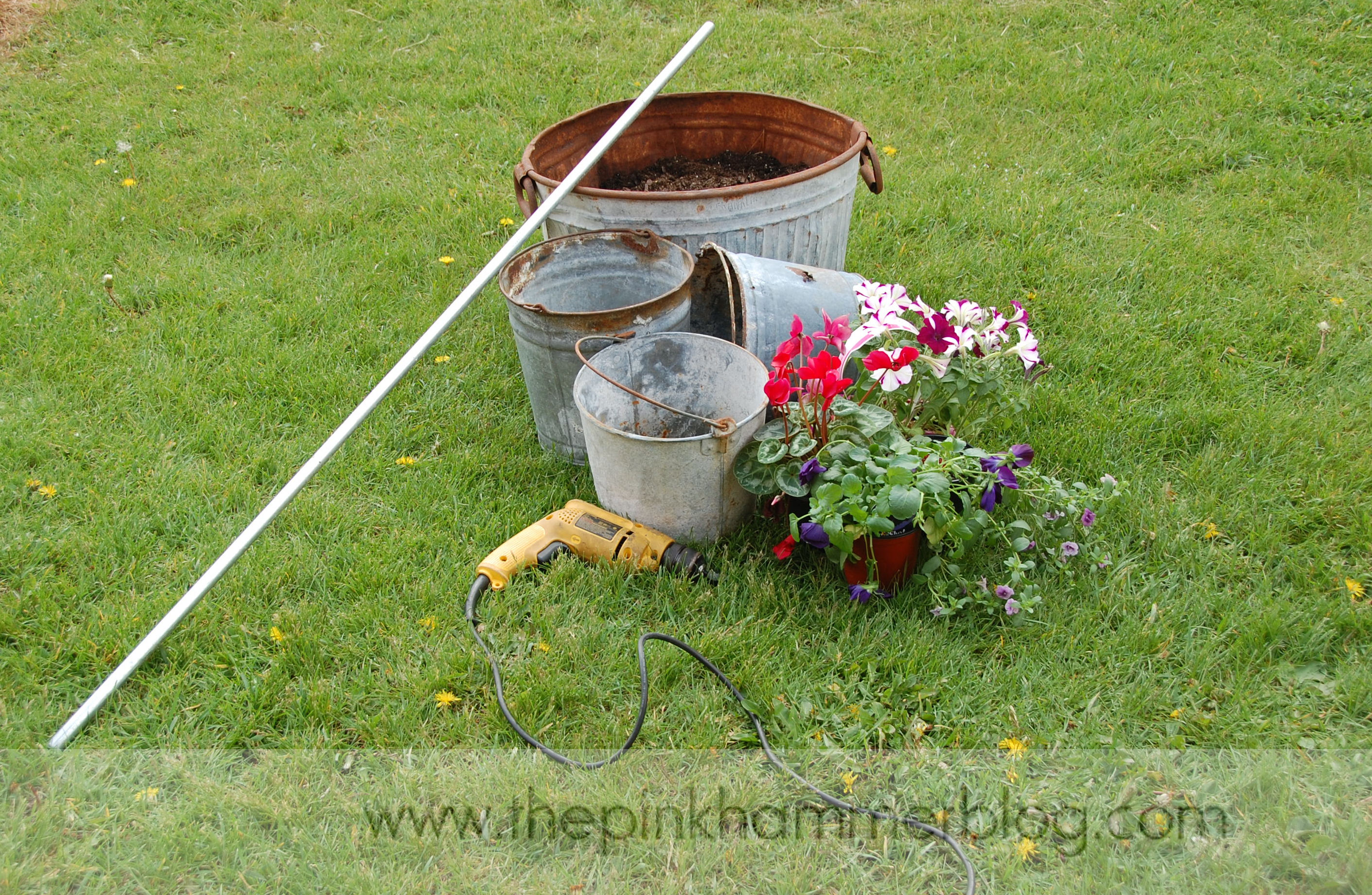 how to upcycle old metal buckets the pink hammer blog