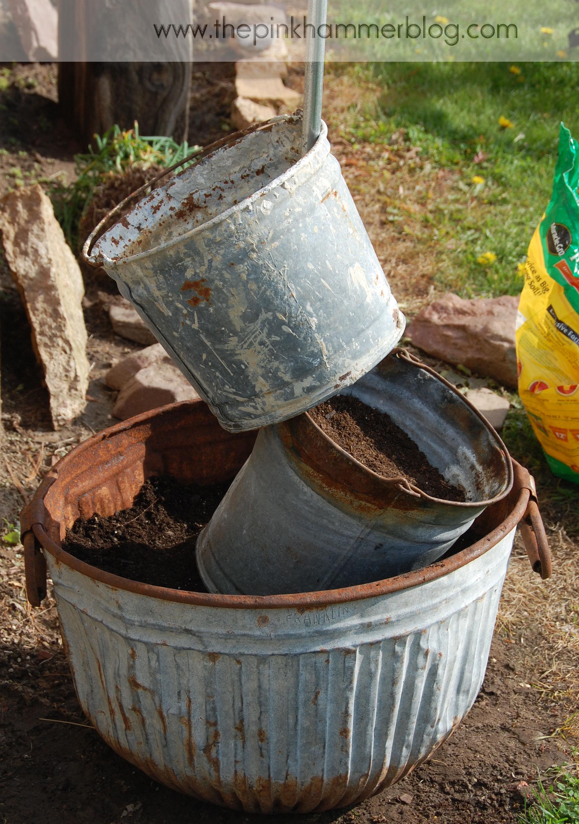primitive tipsy pot planters diy rustic garden decor the pink hammer blog. Black Bedroom Furniture Sets. Home Design Ideas