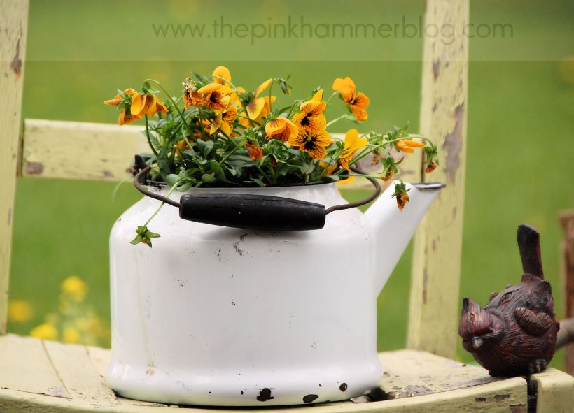 Primitive planters by The Pink Hammer blog