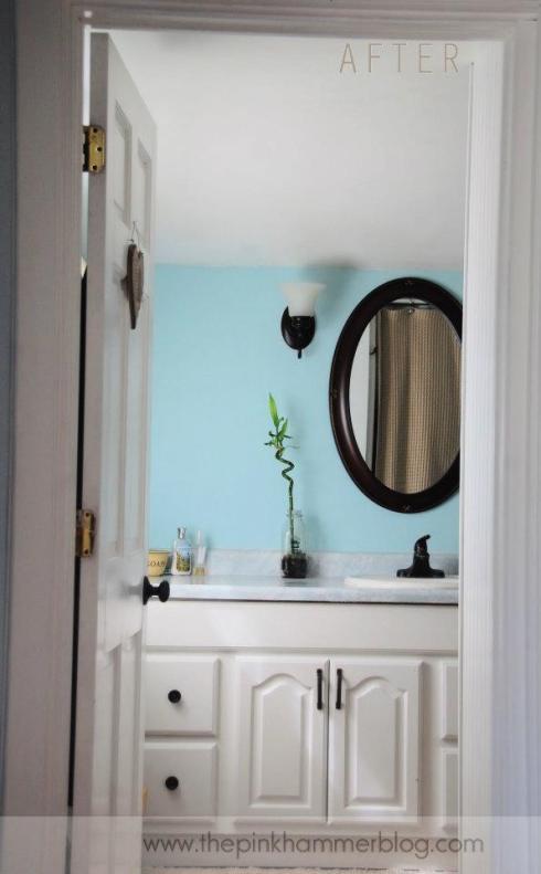 Serene bathroom by The Pink Hammer blog